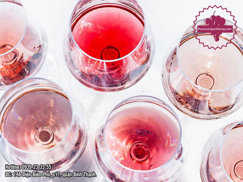 Rượu vang hồng Pháp Chic - ST Tropez - Regis Chevalier